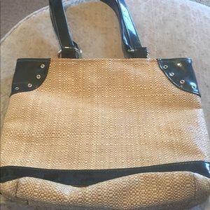 Caught ya Lookin  woven straw purse w patent trim.